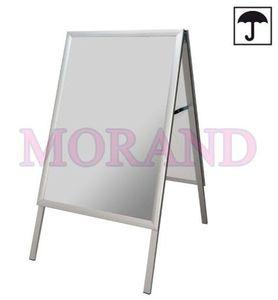 Aluminiowy stojak do plakatów 700 x 1000 odporny na wilgoć