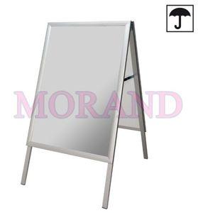 Aluminiowy stojak do plakatów 500x700 odporny na wilgoć