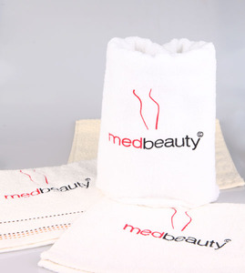 MedBeauty Ręcznik z logo Medbeauty 30x50cm