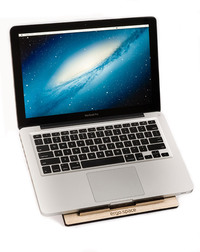 Ergo.Space - drewniana podstawka pod MacBooka (od 13 do 15 cali)