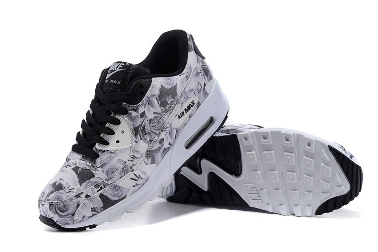 huge selection of d5a57 26ae9 ... Buty damskie Nike Air Max 90 biało-szaro-czarne w kwiaty ...