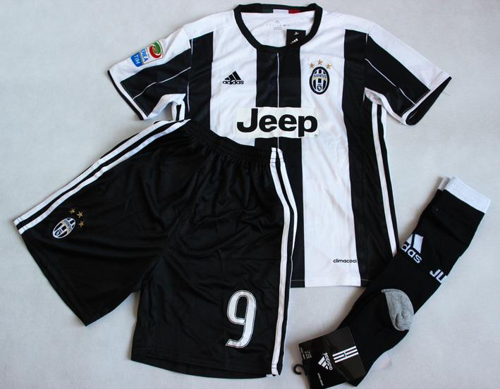 98fc363c8 Dziecięcy zestaw piłkarski JUVENTUS TURYN ADIDAS Home 16/17 (koszulka +spodenki+getry
