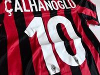 Dziecięcy zestaw piłkarski AC MILAN home 17/18 ADIDAS (koszulka+spodenki)