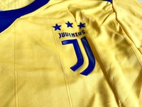 Zestaw piłkarski JUVENTUS TURYN away 17/18 Adizero ADIDAS #11 D.Costa