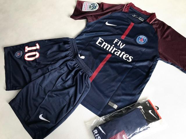 b4053ccbd ... Dziecięcy zestaw piłkarski PSG home 17/18 NIKE (koszulka+spodenki+getry)