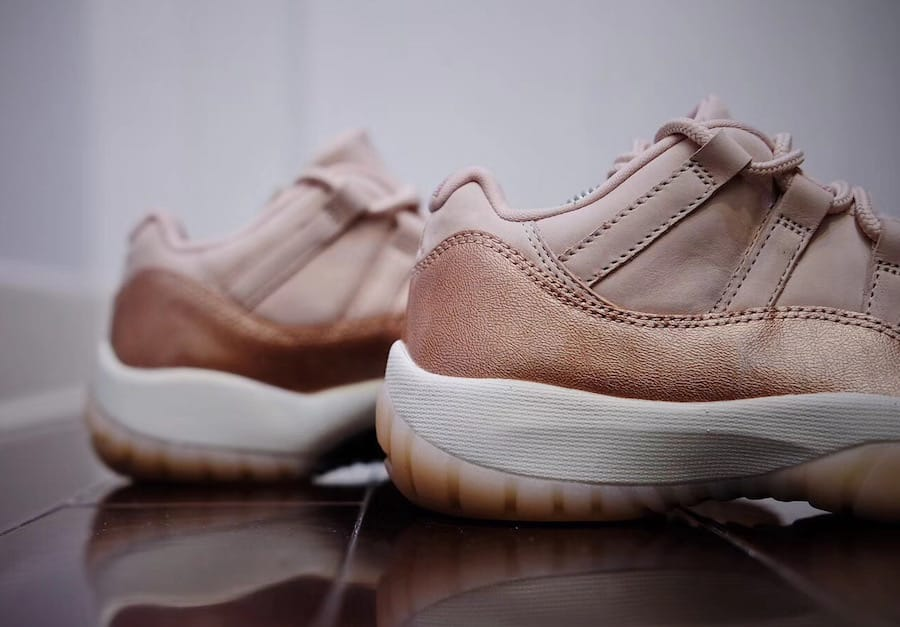 36f4ffaf7dffd3 ... Buty damskie NIKE AIR JORDAN 11 Low Rose Gold AH7860-105 ...