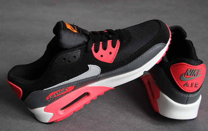 official photos d42c6 a2515 ... Buty damskie Nike Air Max 90 Essential 537384-006 ...