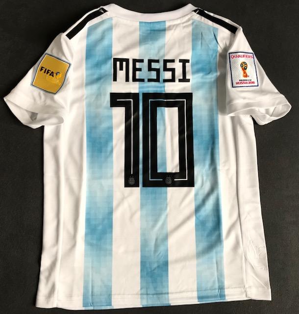 0ea8c24c4 ... Dziecięcy zestaw piłkarski ARGENTYNA Home Adidas WORLD CUP 2018 ( koszulka+spodenki+getry) ...