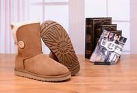 Zimowe buty ŚNIEGOWCE UGG Australia Bailey Button II , jasne brązowe , model 5803