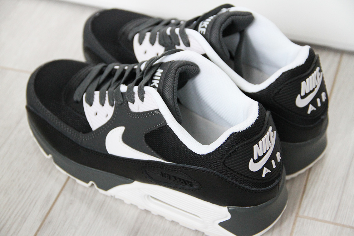 Nike Air Max 90 Essential Black White 537384 089 For Sale