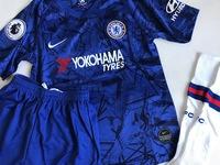 Dziecięcy zestaw piłkarski CHELSEA LONDYN home 19/20 NIKE (koszulka+spodenki+getry) #7 KANTE