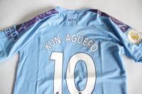 Dziecięcy zestaw piłkarski MANCHESTER CITY home 19/20 PUMA (koszulka+spodenki+getry) #10 KUN AGUERO