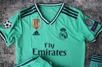 Dziecięcy zestaw piłkarski REAL MADRYT ADIDAS Third 19/20 (koszulka+spodenki+getry) Hazard